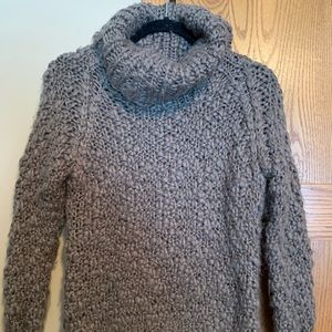 Chelsea & Theodore knit sweater